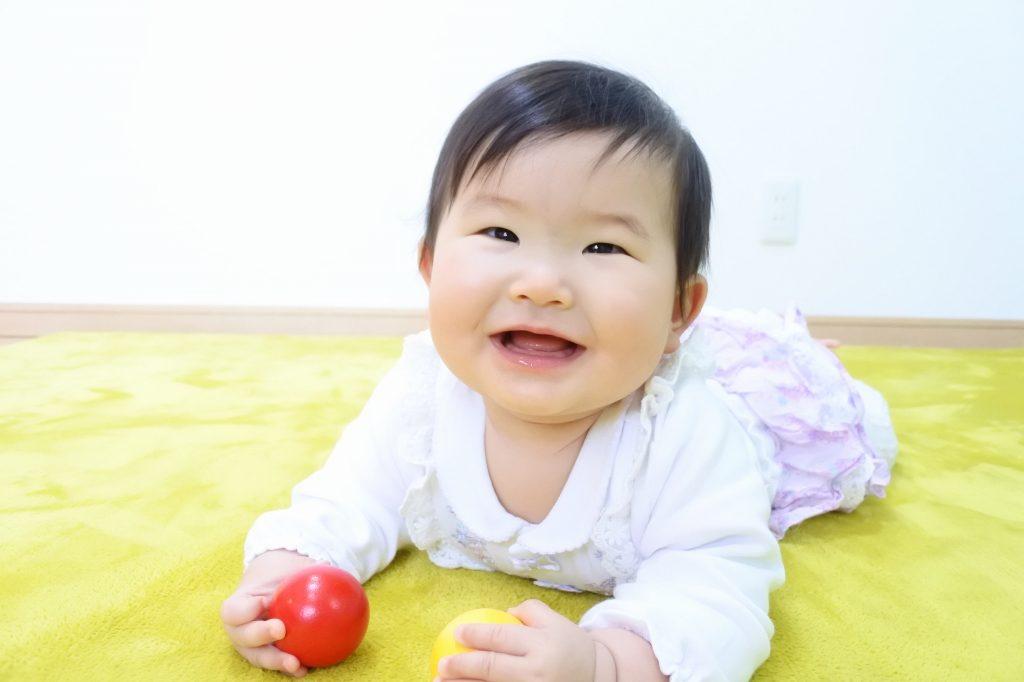 赤ちゃんと子どもの笑顔を引き出す撮影テクニック「ノーファインダー撮影」はじめませんか?